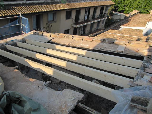 Fachada y cubierta edificio plurifamiliar centro