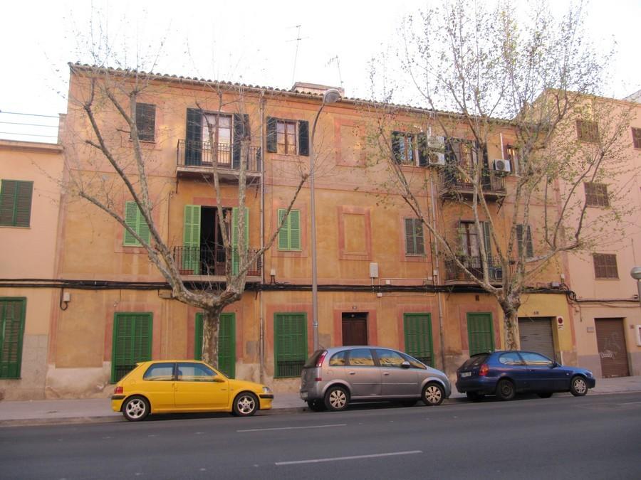Fachada y cubierta edificio plurifamiliar fontsanta